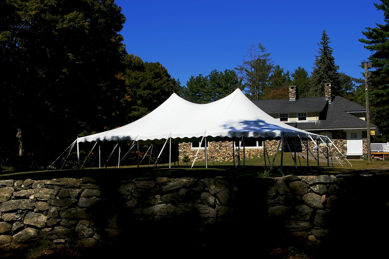 30 39 x 45 39 pole tent taylor rental of torrington for Fenetre 30 x 30