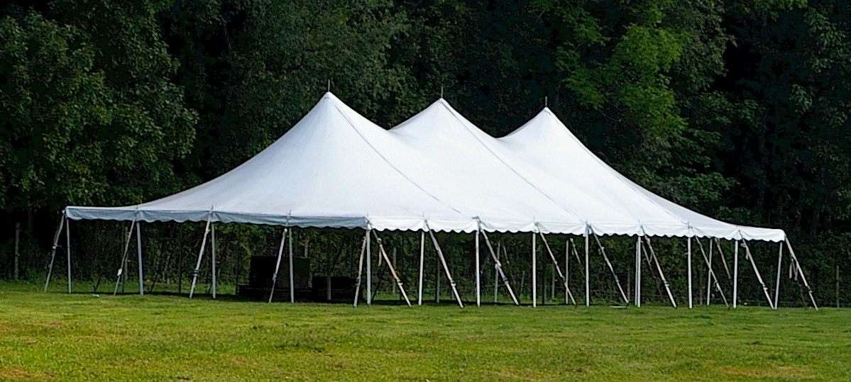40 39 x 80 39 pole tent taylor rental of torrington for Miroir 40 x 80