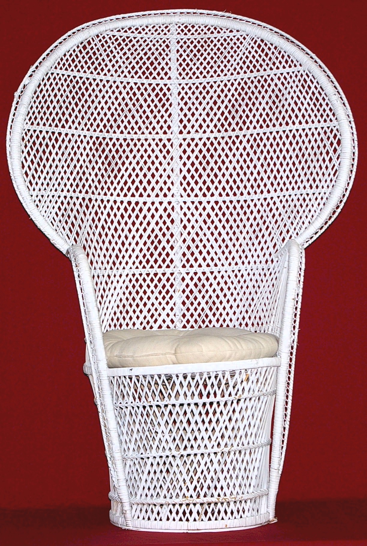 our white wicker shower chair seats the guest of honor in style